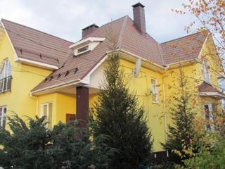 Дом, площадью 200 кв.м