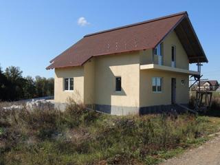 Дом, площадью 180 кв.м