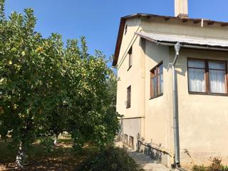Дом, площадью 220 кв.м