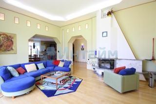 Дом, площадью 395 кв.м