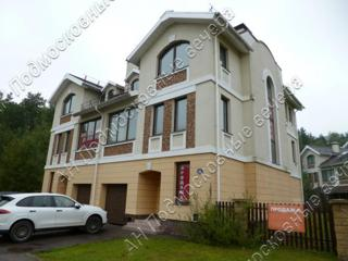 Дом, площадью 248 кв.м