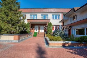 Дом, площадью 208 кв.м