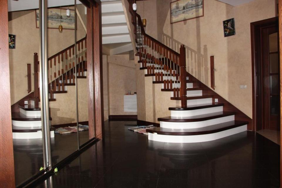 Продается 5-комнатная квартира, площадью 227.00 кв.м. Москва, улица Юровская, дом 93к9