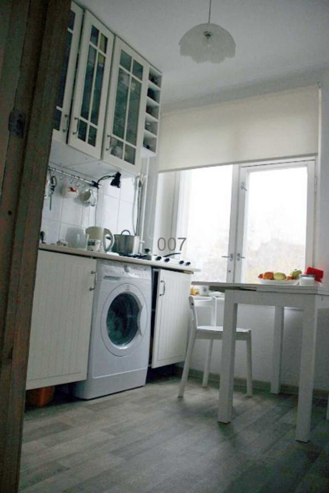 Продается 1-комнатная квартира, площадью 32.00 кв.м. Москва, улица Сеславинская, дом 18