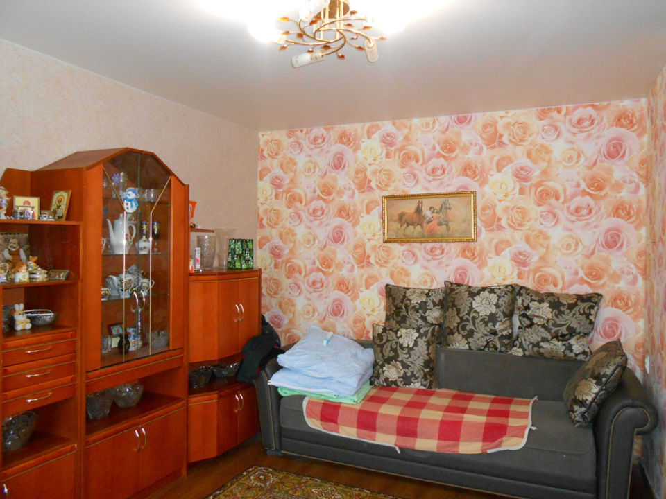 Продается 2-комнатная квартира, площадью 42.00 кв.м. Московская область, Серпуховский район, поселок Большевик, улица Ленина, дом 30