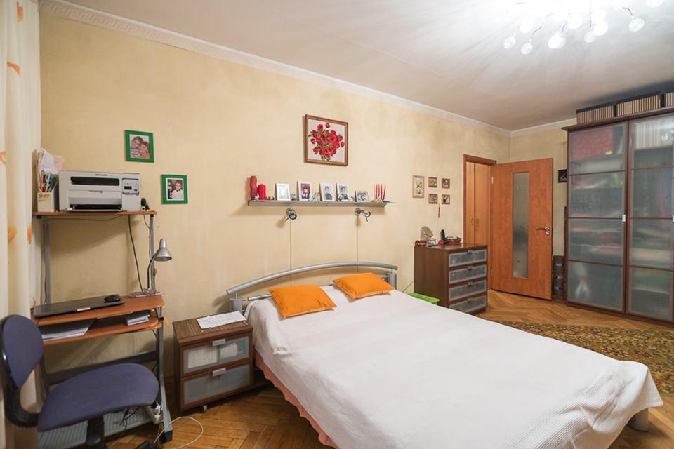 Продается 2-комнатная квартира, площадью 58.10 кв.м. Москва, Каширское шоссе, дом 9к1